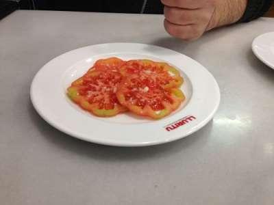 Lluritu-restaurant-tomaquet